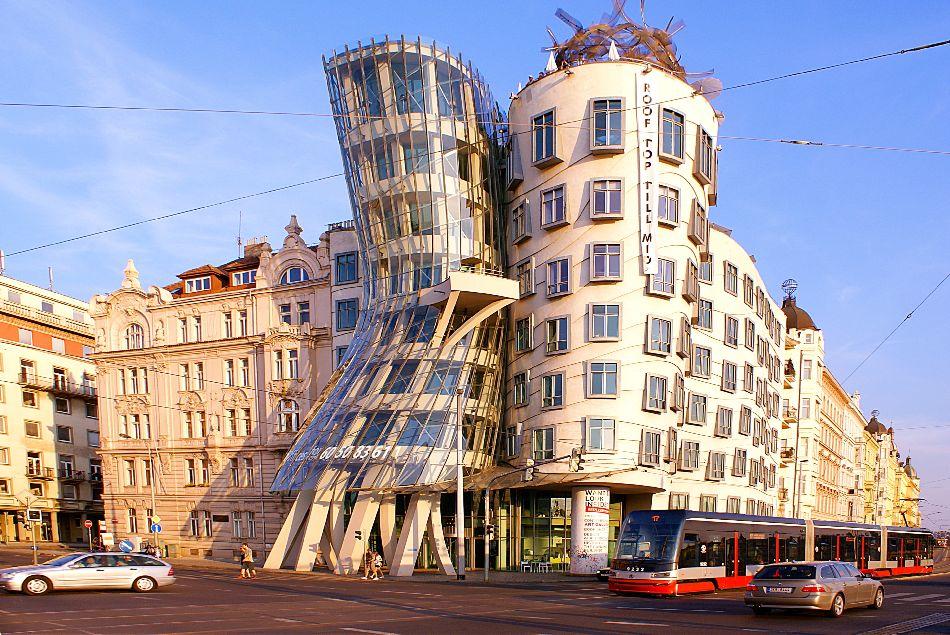 'Kuća koja pleše'', Prag