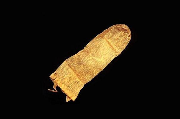 najstariji kondom
