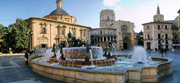Plaza-de-la-Virgen-Valensija