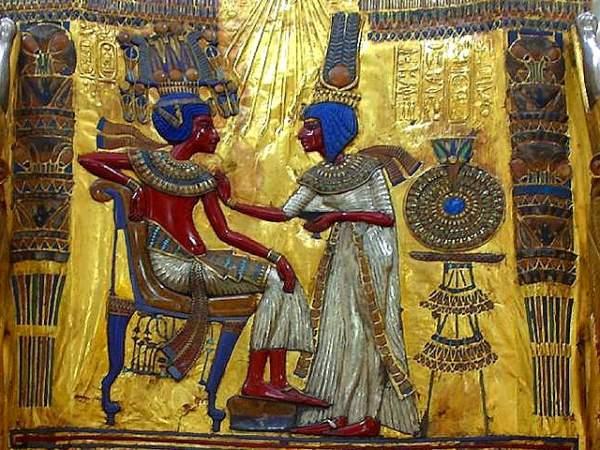 Tutankamon i njegova žena Ankesenamon
