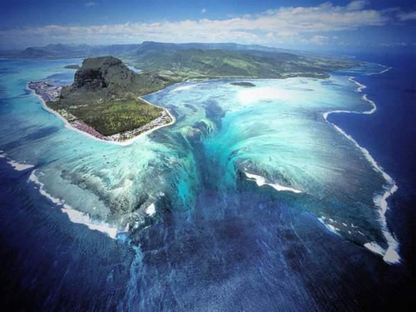 podvodni vodopad