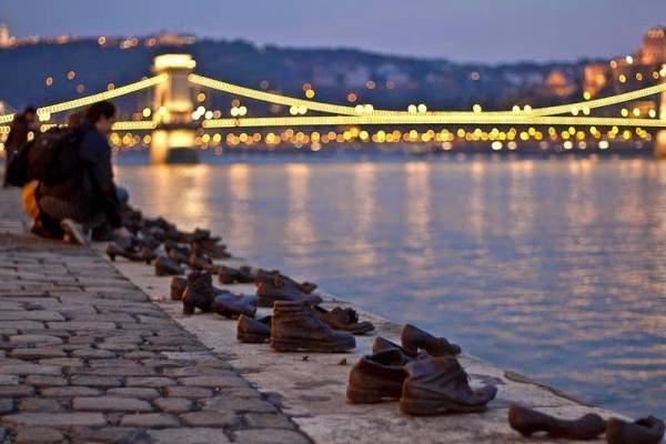 spomenik cipele u mađarskoj