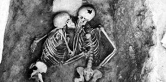 Poljubac star 2800 godina